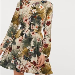 H&M long sleeve floral dress. Size us 2. Nwt